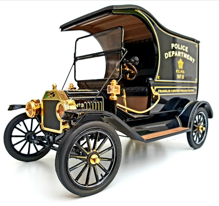 The Vintage Ford Model T Police Wagon - Richly accented in 24 carat gold - Classic Crime Fighter