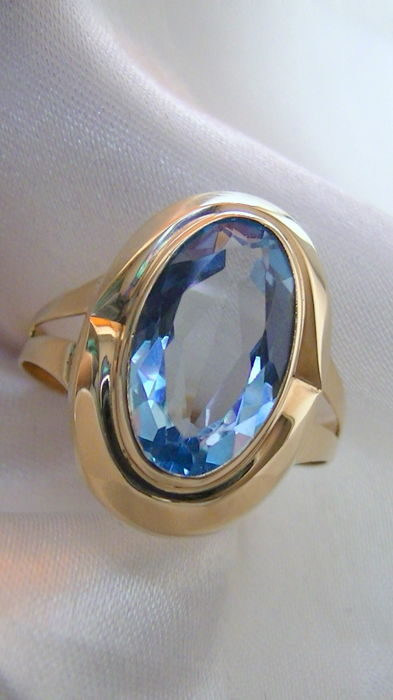 Topaz approx. 7 ct ring 585 gold no reserve price