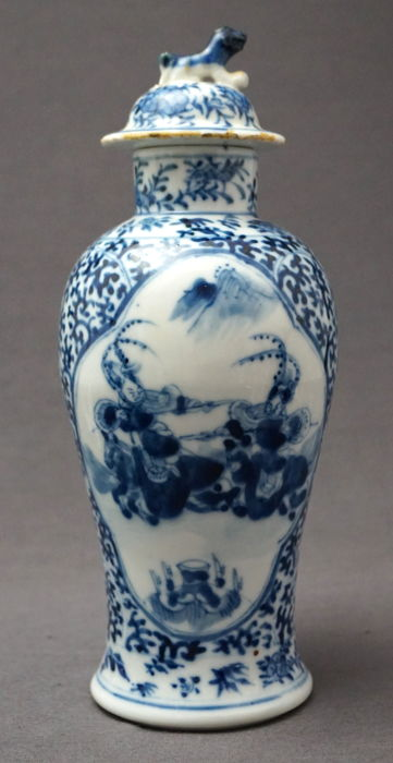 Baluster Vase With Lid With Decoration Of Warriors Marked Kangxi