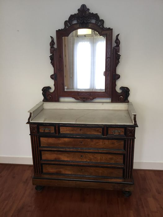 William III Mahogany Dresser And Wash Table With Marble Top And Mirror On  Top   Ca