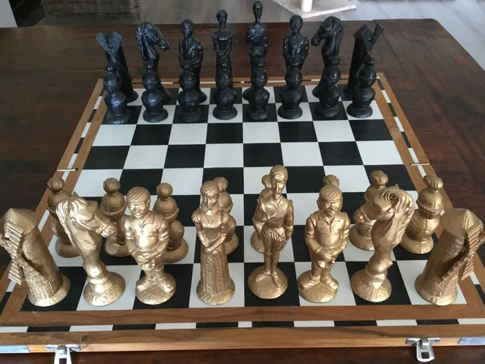 Big Don Quixote chess game with black and gold coloured pieces