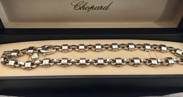 "Chopard - white gold bracelet & Necklace of ""Les Chains"""