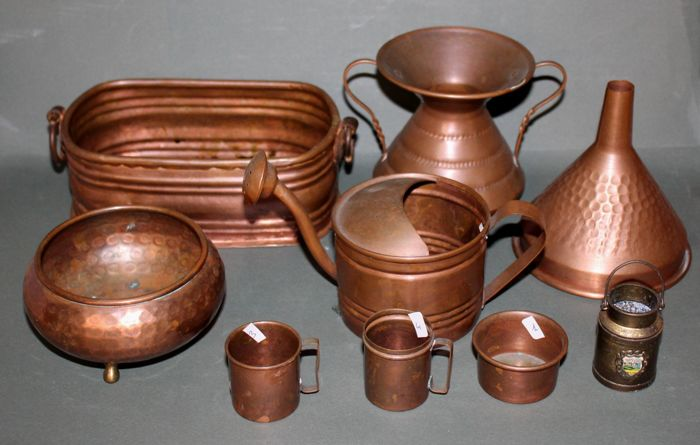 Antique set of 9 objects in copper - Italy, late 19th century, early 20th century