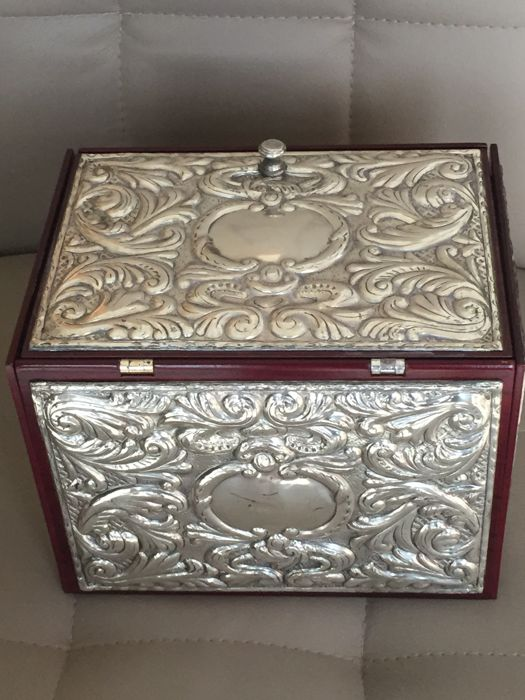 Beautiful jewels box in wood and silver 925 mm brand Hior