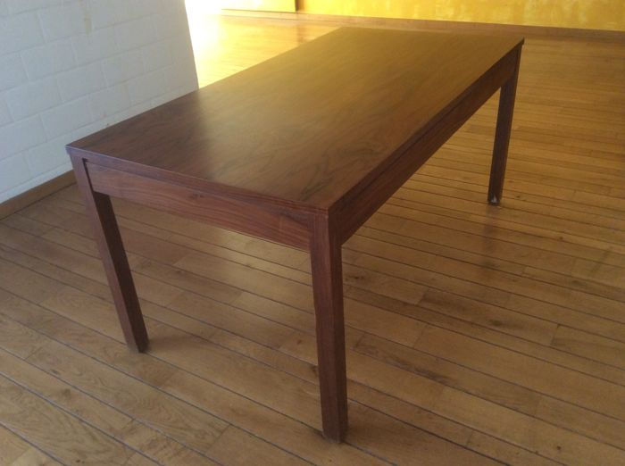 Unknown manufacturer - vintage rosewood table