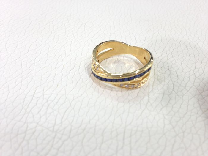 Ring in 18 kt gold, with diamonds and sapphires - size 13