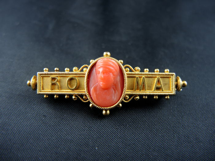 Roma barrette brooch in yellow gold with coral cameo - 19th century