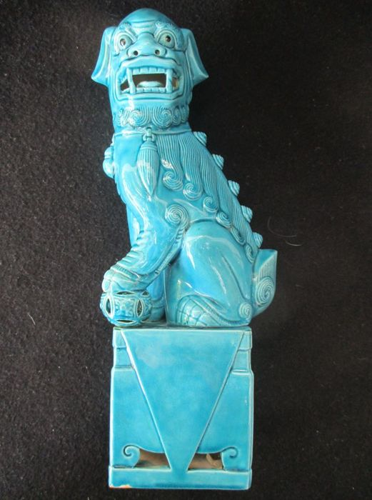 Large Republic  Imperial Lion / Fo Dog in Turquoise Glazed Porcelain - China - ca 1920/40