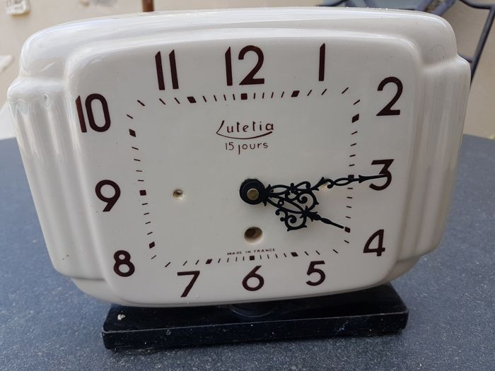 """lutetia 15 jours"" vintage kitchen clock"