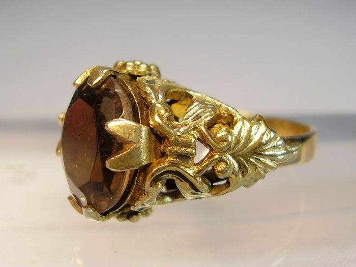 Antique Victorian ring with large faceted smoky quartz weighing 5 ct in floral setting