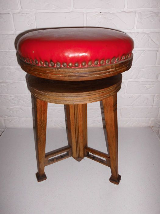Beautiful antique piano stool, probably from Germany, first half 20th century