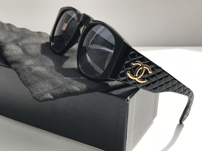 67c326867b5 Chanel - Quilted Sunglasses - Vintage - Catawiki