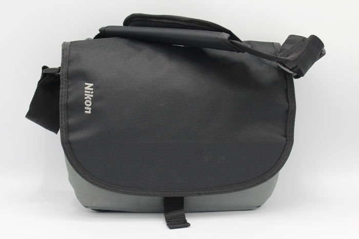 Original Nikon camera bag - new condition - (3071)