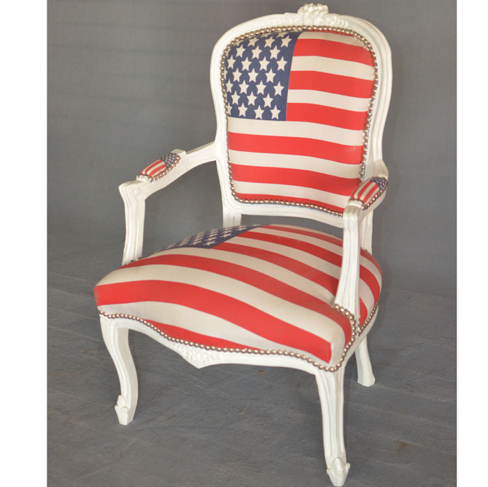 White Buttoned Armchair With American Flag   Hand Carved Beech