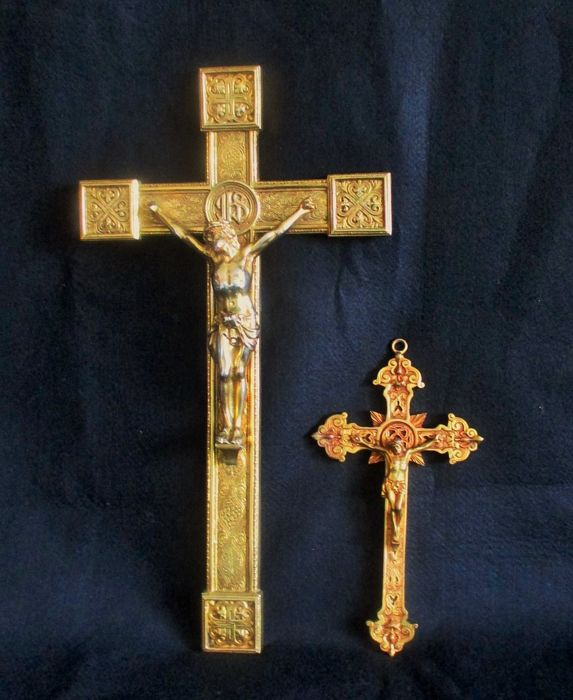 Lot of two Gold +plated and Copper crosses with Jesus Christ (43cm and 23cm long)