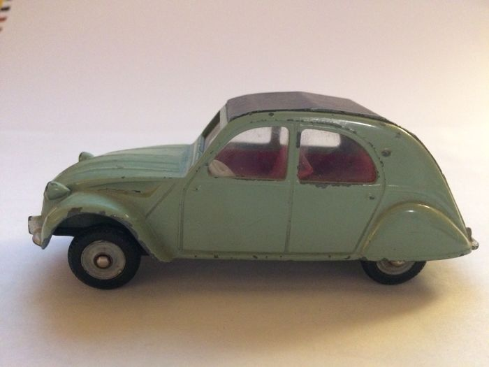 dinky toys - 1 43 - citroen 2cv type no 558 - made in france meccano