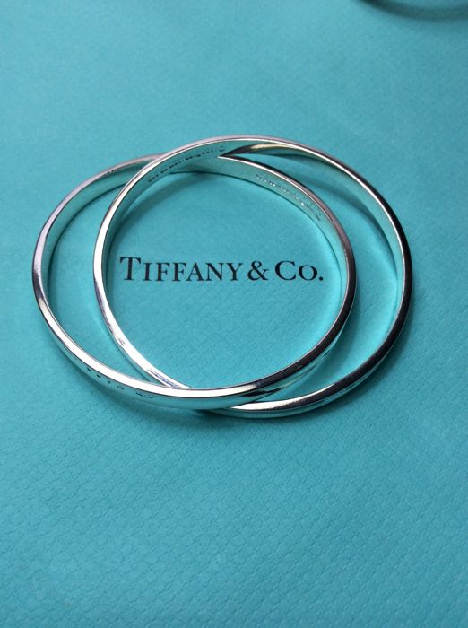 110812c95 Tiffany 1837™ 925 Interlocking Circles Bangle - Size: Bracelet is a size  medium.