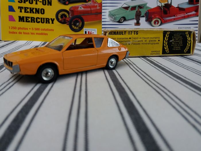 Dinky Toys - 1:43 - Renault 17ts - # 1451