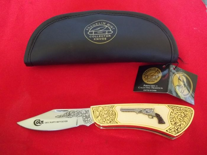 Franklin Mint Collector's Knives - Pocket knife - Colt 1851 Army Revolver with case - 24 carat gold-plated and richly decorated - In very good, practically in mint condition