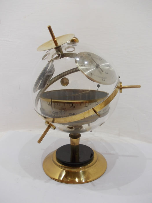 Weather station Huger - model Sputnik