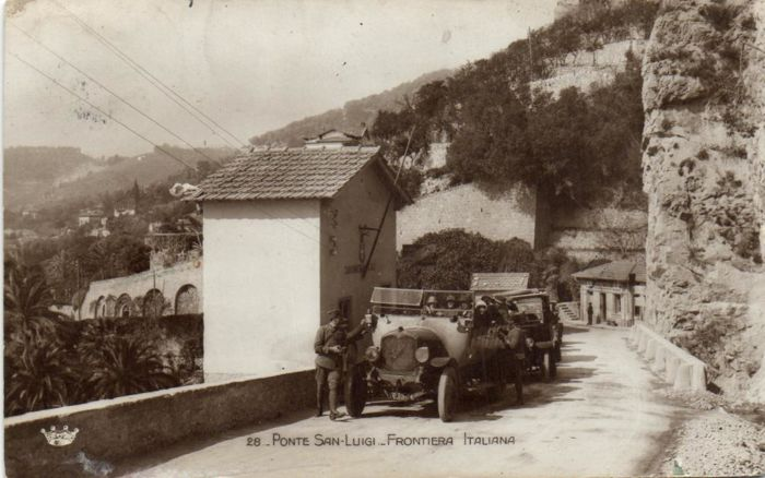 Motor cars 63x - cars in the streets, racing circuits and fantasy- period