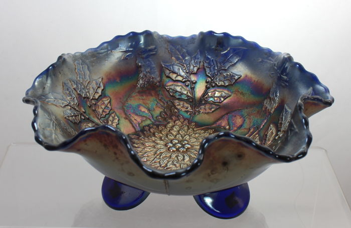 Fenton stag & holly carnival glass ruffled bowl, England, circa 1910-1920