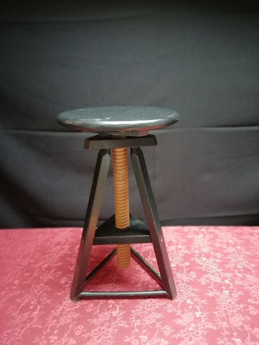 Admirable Lot Of Vintage Wooden Industrial Potters Stools 1970S Pdpeps Interior Chair Design Pdpepsorg