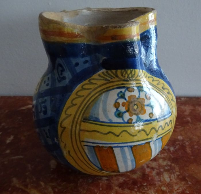 Antique polychrome majolica jug with spout, probably made in Pesaro, XVII/XVIII century