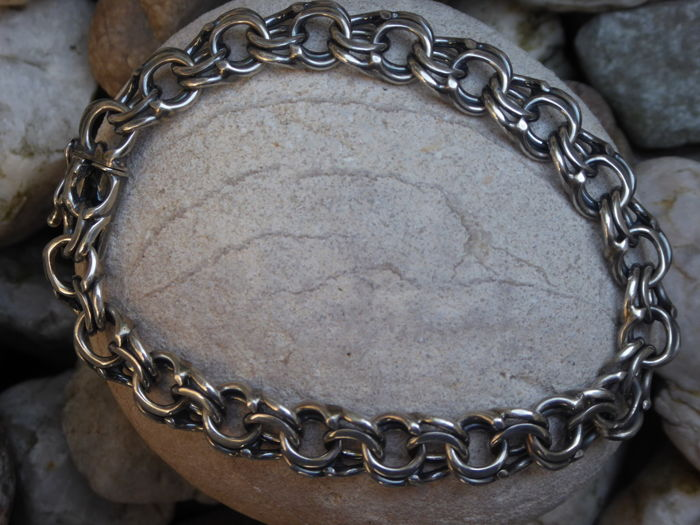 Solid silver vintage bracelet with double links - the Netherlands