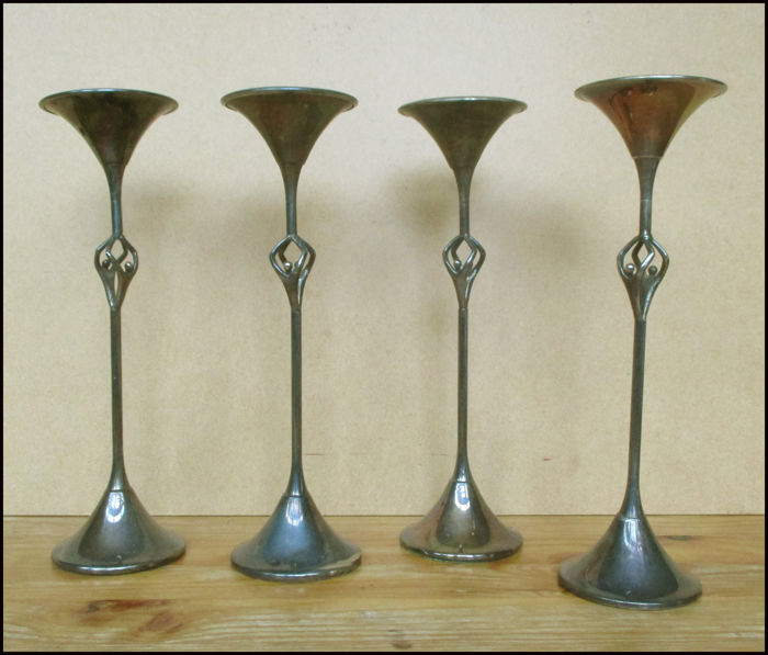 Artihove (attr.) - 4 stylised candlesticks