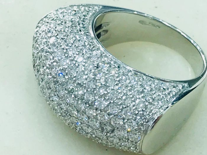18 kt white gold ring with brilliant cut diamonds - ring size 15 (IT)