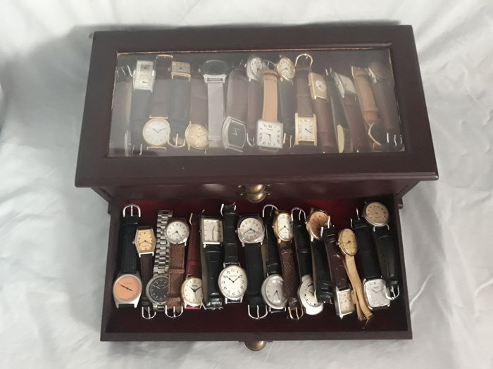 Collection of classic watches with 47 pieces