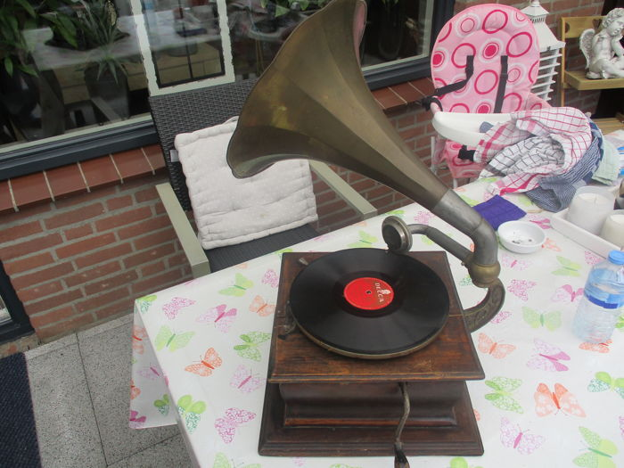 Thorens No 223 Gramophone with Horn 1910-1920
