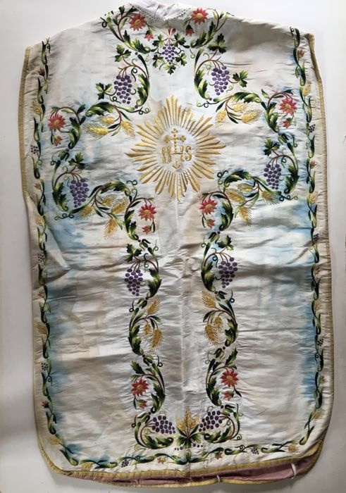 Priest's chasuble with stole