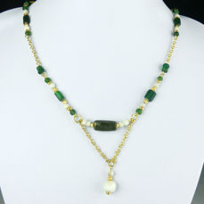 Oud-Romeins Glas Necklace with green glass and shell beads - 51,5 cm - (1)