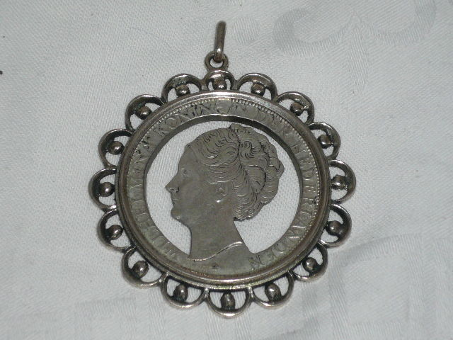 Queen Wilhelmina - pendant with cut-out coin