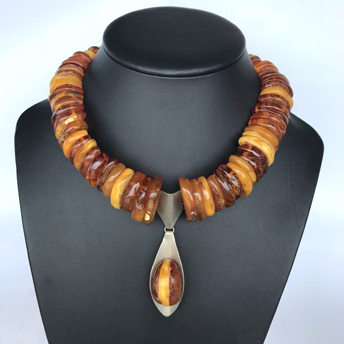 Antique collar natural Baltic amber necklace with pendant 131.8 grams - not treated