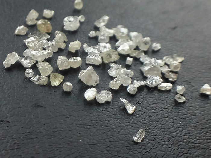 Natural rough diamonds lot ct. 2.03