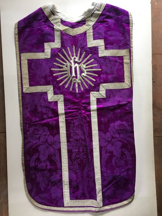 Priest's chasuble late 19th century