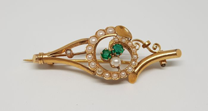Antique Bourbonic brooch, in gold with pearls and tourmalines, 19th century