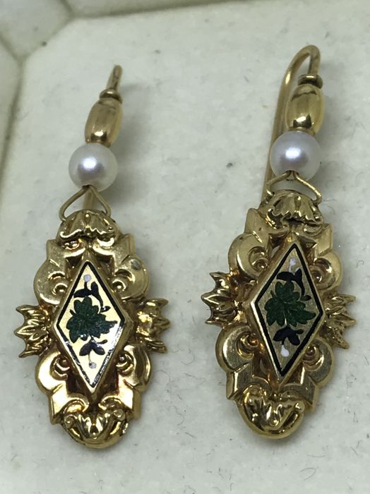 Earrings from late 19th century in 14 kt gold, pearls and coloured enamels