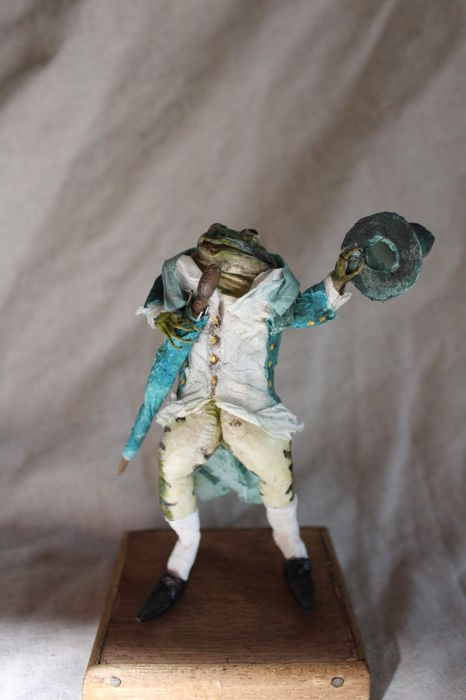 """Gentleman"" Frog, dressed for town with Hat and Umbrella - Rana sp. - 12cm"