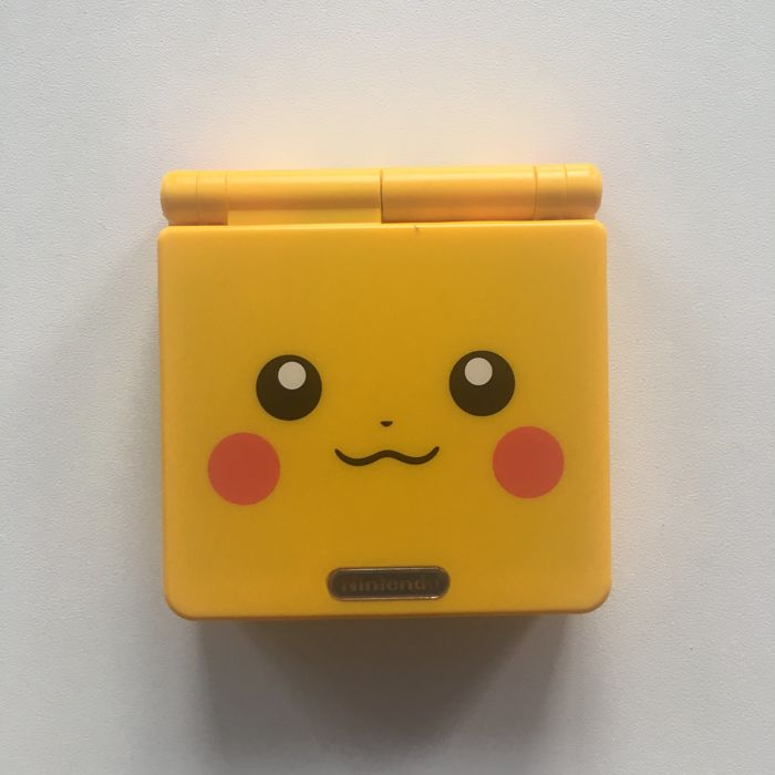 Nintendo Game boy Advance SP GBA Console, Limited Edition Pikachu Pokemon Housing - NES - Täysin kunnostettu