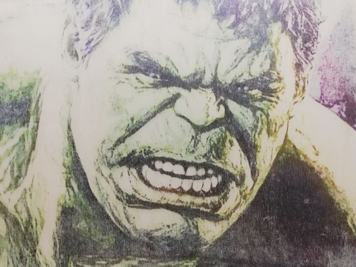 HULK - Original artwork on a wooden plate - Size: 29,8 x 42 cm. - First edition - (2018)