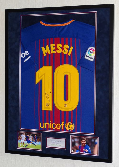official photos 62d8c 8f191 FC Barcelona - Spanish Football League - Lionel Messi - Jersey - Catawiki