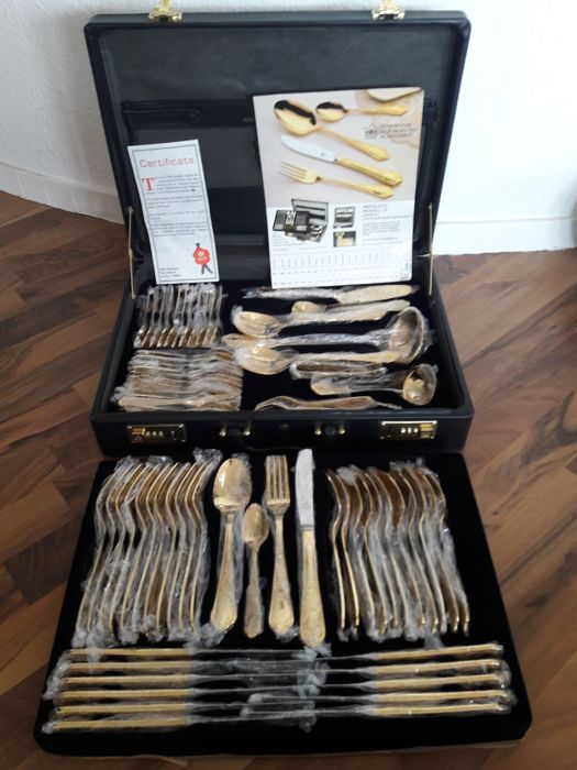 """SBS SOLINGEN luxury cutlery set for 12 people - """"Wien"""" (Vienna) - 70 pieces - With price list - Unused - 23/24 carat hard gold plating - With certificate"""