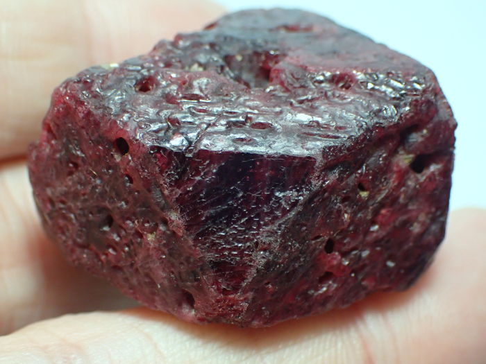 giant dark red spinel crystal 40 12x37 92x20 97mm 247 30ct