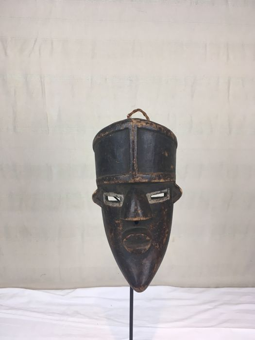 Wooden Mask - LWALWA - Africa / D.R. Congo, Wooden Mask / Including Stand