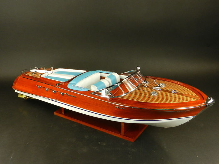 Model Boat Wood Riva Aquarama 87cm SUPERB - Hout