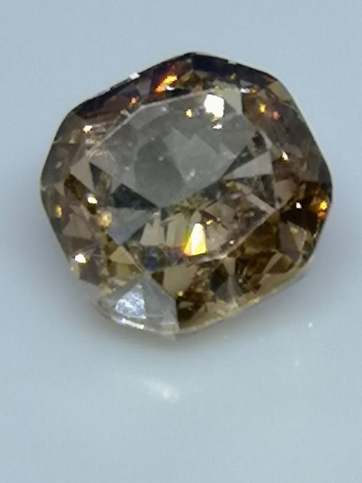 1.51 ct - Round Brilliant - Brown - VVS2